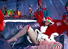 Scrumptious brunette classis chassis Daphne Rosen enjoys when three Christmas Elves squidge her with their tools