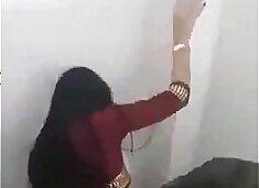 novinha dando no banheiro da festa FOTOS DELA http://sh.st/NzIUF