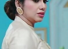 Beautiful Aunty with Huge Assets