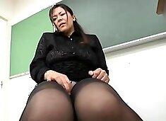 Japanese MILF in Nylon Pantyhose Legs