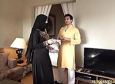Razia bhabhi Dussehra ke din Sooraj bhaiya se chut chudwa li
