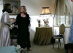 MOTHER KISSES IN THE NUDE AND SEDUCES DAUGHTER